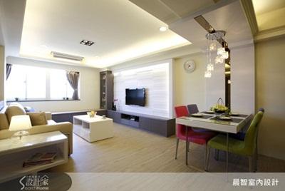 客厅空间除了基本电视柜及收纳柜机能规划