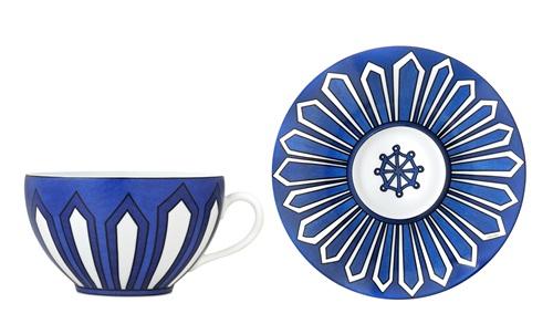mbaut运用青花瓷的蓝色与擅长的几何线条-chau 黑羊公仔图片