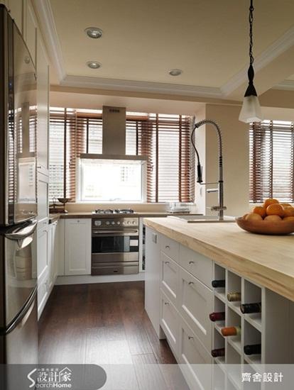 齐舍设计向来擅长打造美式风格居家,本案从阳台门框,电视主墙,中岛图片