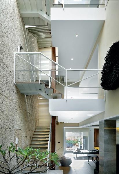 天井提供_诺禾空间设计;室内提升挑空图片a天井日光,空气因而藉由设计与营销图片