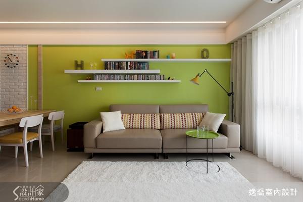 不需要复杂的装饰,运用开放式层板与展示品搭配来展现屋主的品味个性图片