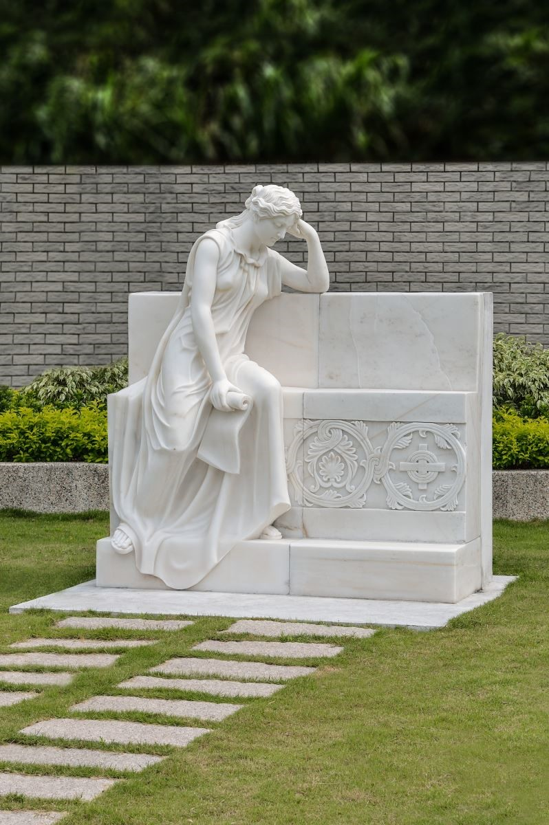 家族墓園搭配漢白玉石雕高雅尊榮